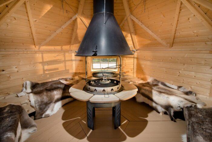 G92001 9.2 Grill Cabin inside2