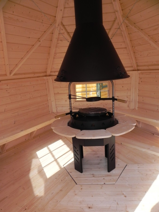 Grill cabin with sloping walls 8